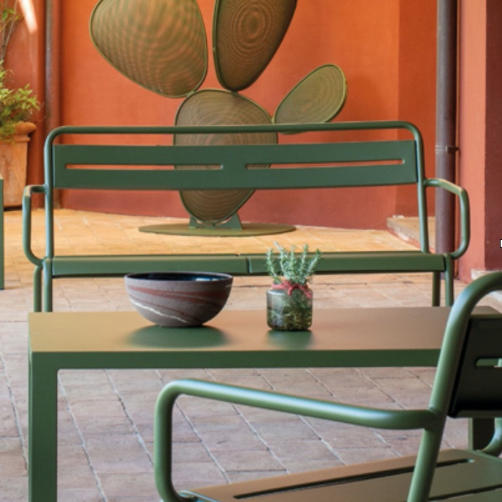 Outdoor Seating | Star