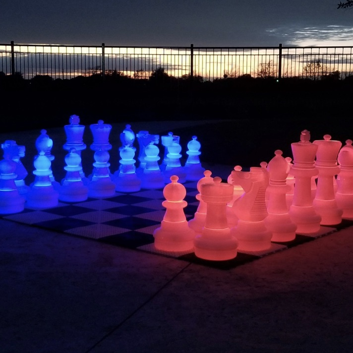 Free Play | Games | Giant Chess | 25 LED