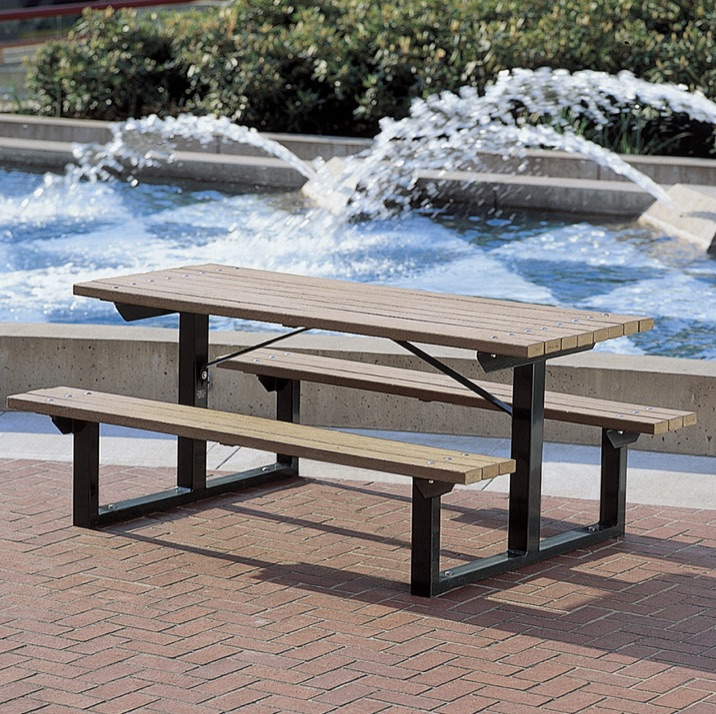 Plaza Table | Metro