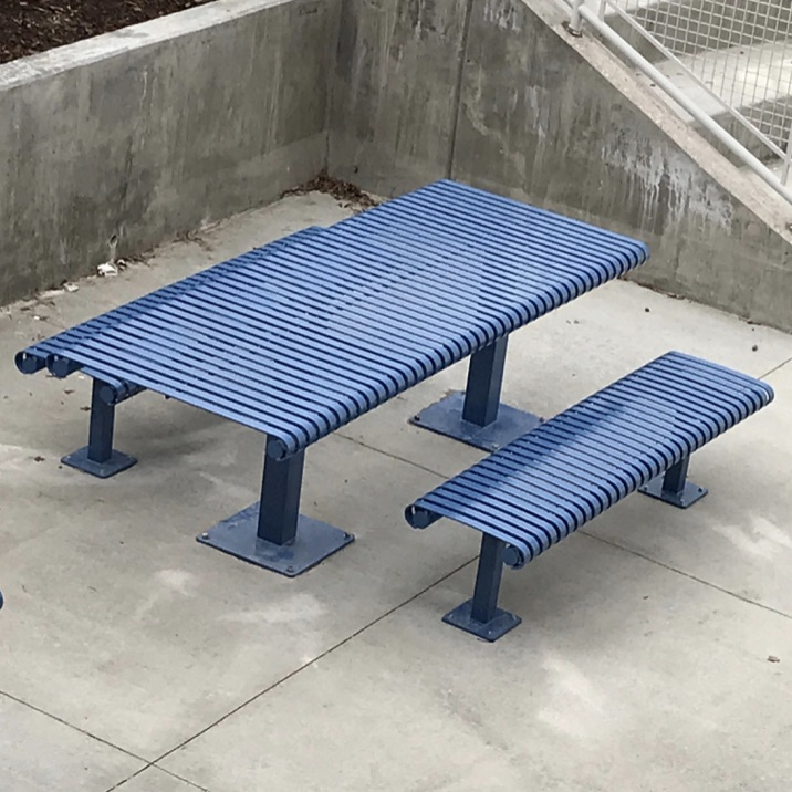 Park Table | Plaza