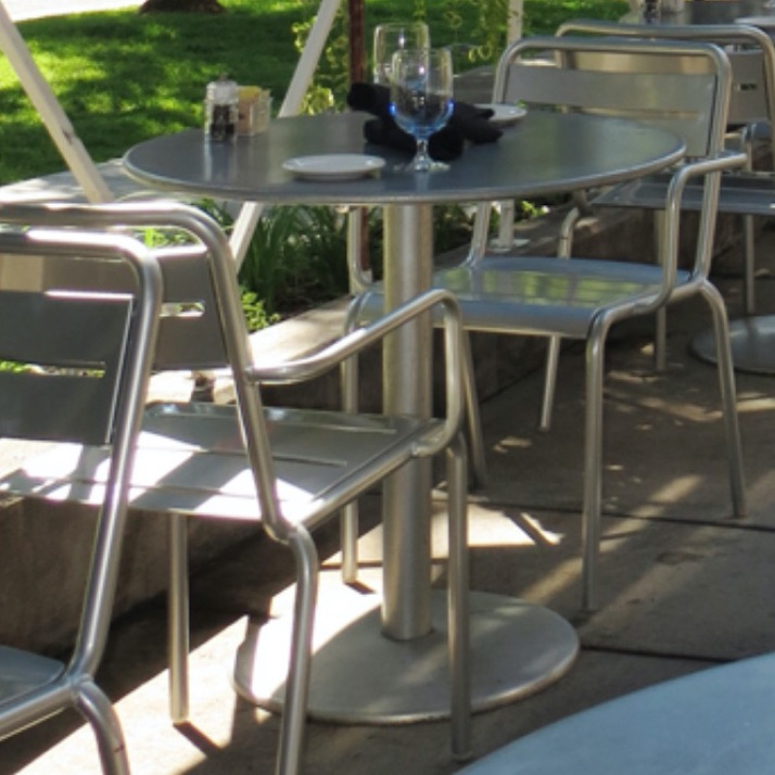 Outdoor Table | Bistro 900