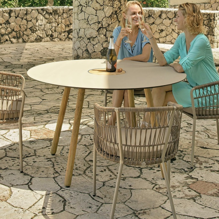 Outdoor Table | Bono