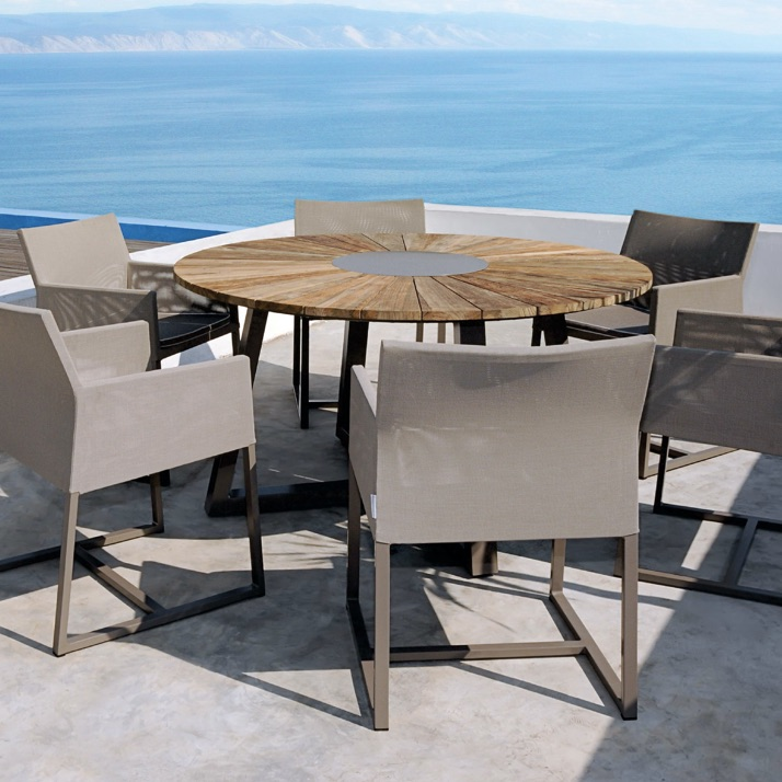 Outdoor Table | Baia