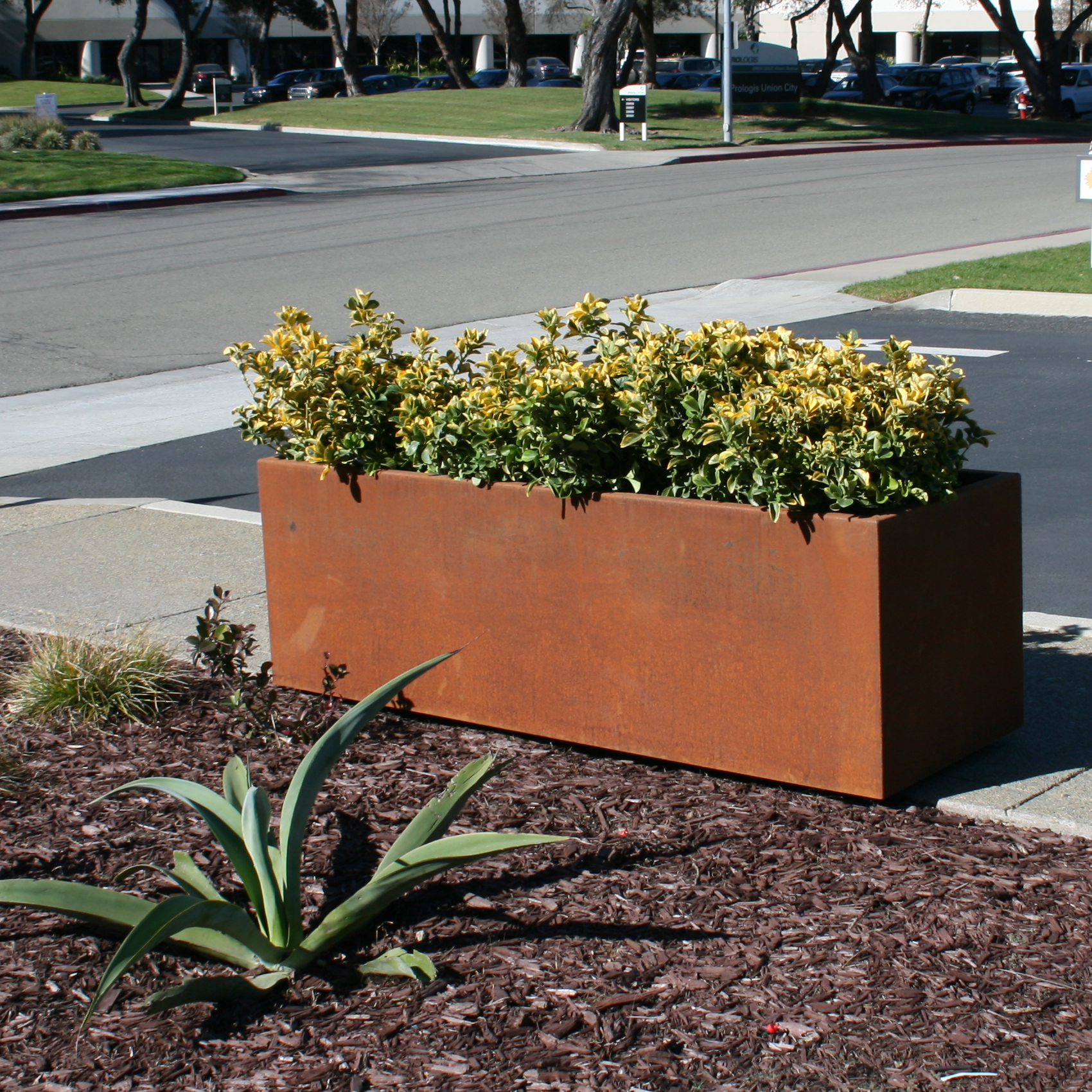 Metal Planter | Wilshire Rustic | RT